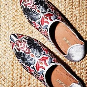 NEW Jeffrey Campbell Cava Embroidered Flats 9.5